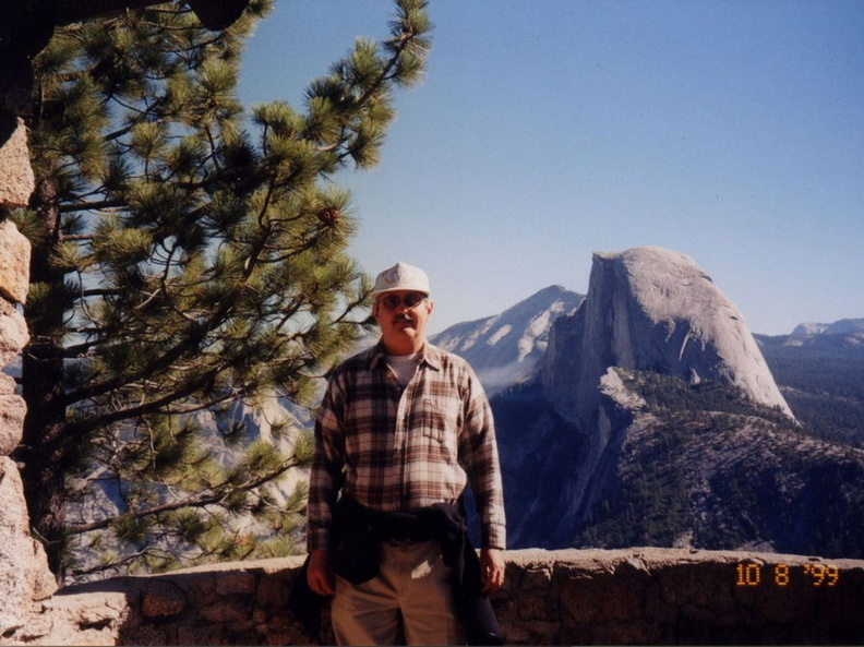 yosemite_ernie_and_half_dome_2.jpg
