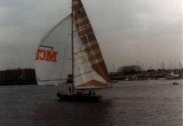 Americas_Cup_Yachts_1985