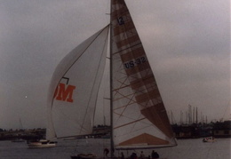 americas cup yacht 1985 02