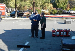 2013 10 home depot emergency preparedness fair 003