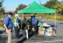 2013 10 home depot emergency preparedness fair 004