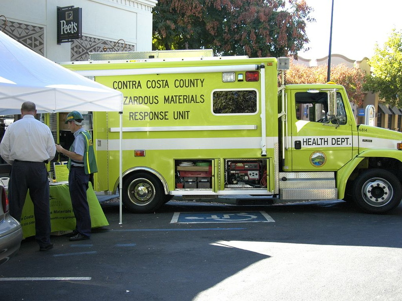 2010 09 emerg services fair 003