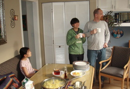 breakfast at cap n adels home 2010 07