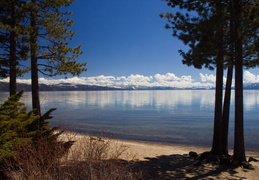 Lake_Tahoe_April_2012